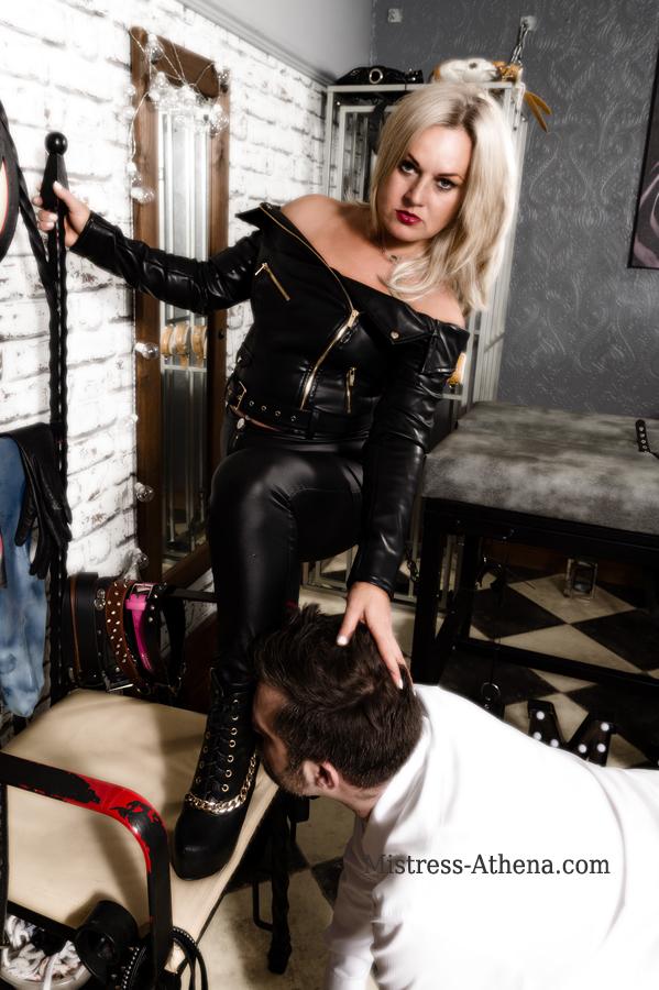 Leather Mistress Leeds
