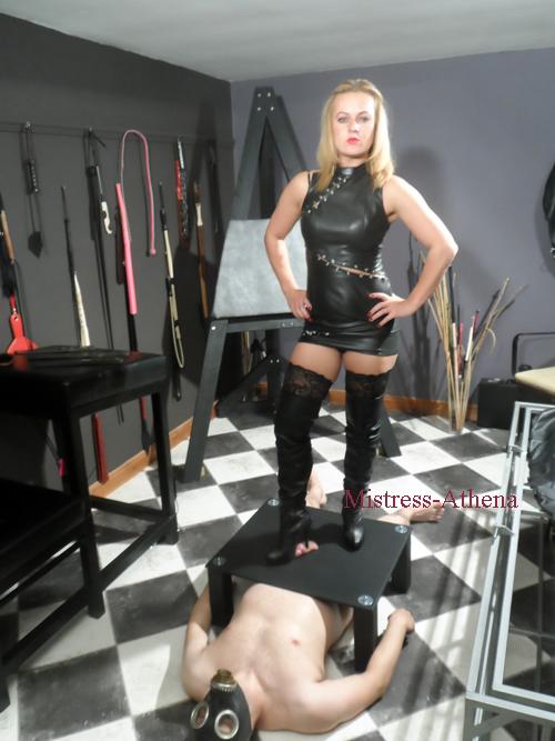 Online tasks Mistress Tasks bdsm submissive leather Mistress Huddersfield Dominatrix