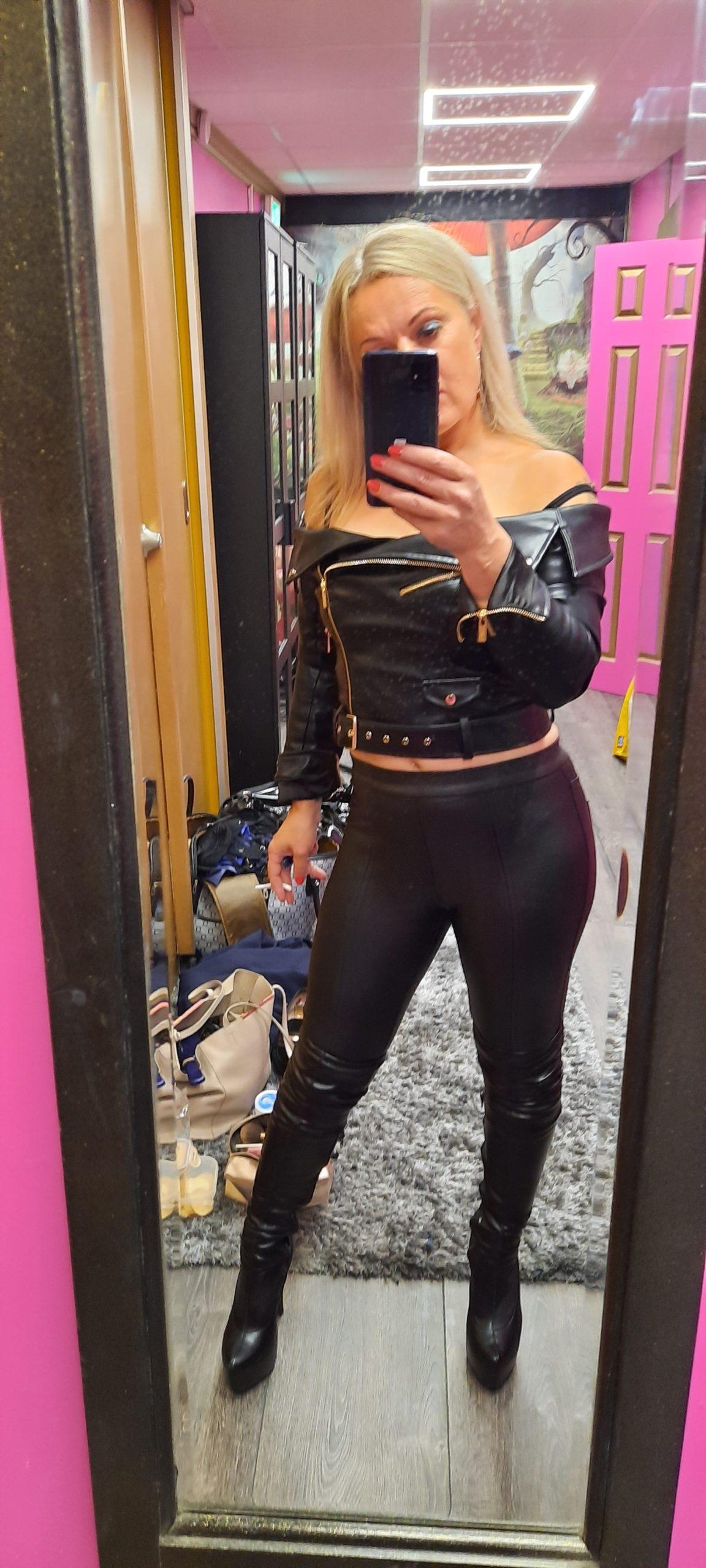 Humiliation Online, Mistress Athena , Kneel Submit , control